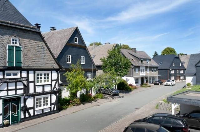Blick vom Haus auf die Hellenstraße