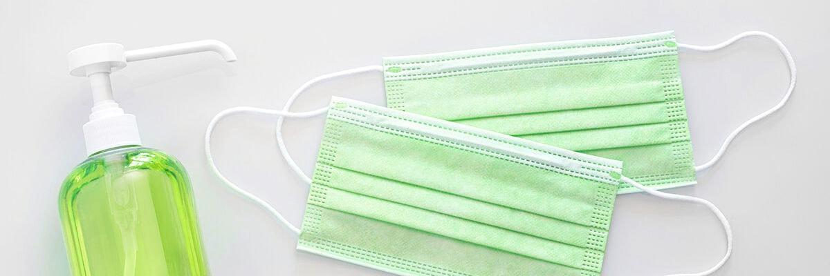Atemschutzmasken und Desinfektionsmittel